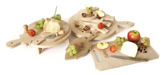Taglieri sintesi taglieri in legno e bicchieri for Bicchieri in legno